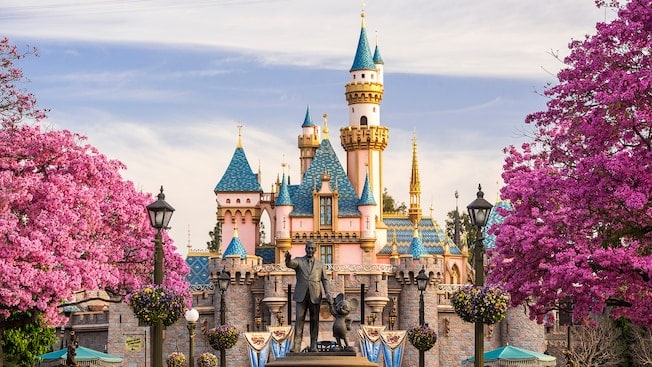 Isabelt4 - Tips for Planning Your Holiday Travel to Disney Land